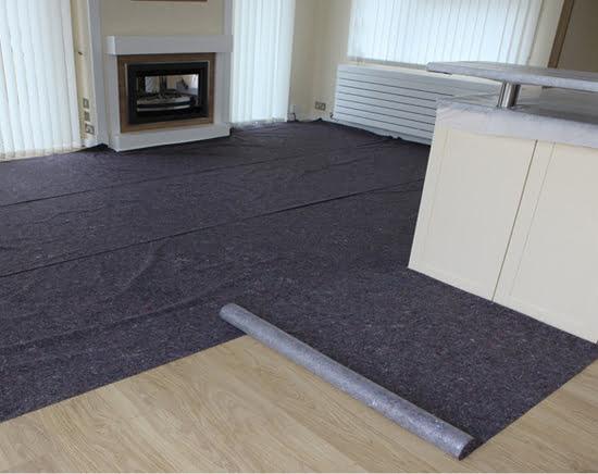 Thảm bảo vệ sàn dễ thi công